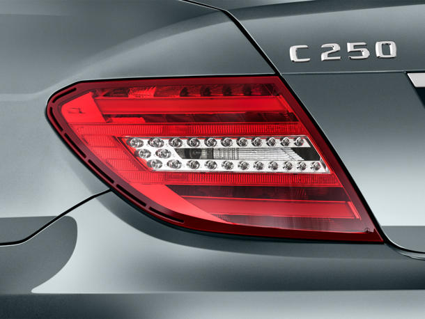 نمای چراغ عقب C-Class